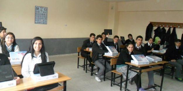 9. Sınıf Öğrencileri Tabletlerine Kavuştu