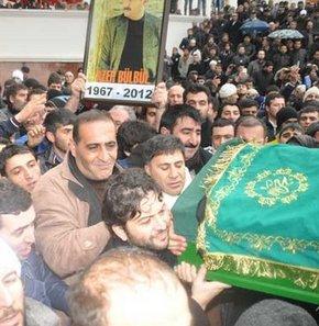 Azer Bülbül son yolculuğuna uğurlandı