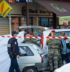 Fransa 3 askerin katilini arıyor
