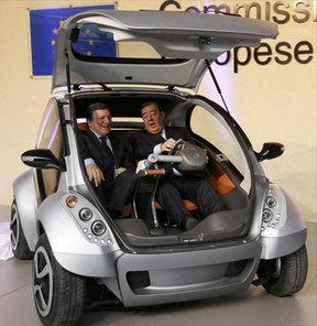 Katlanan elektrikli mini otomobil