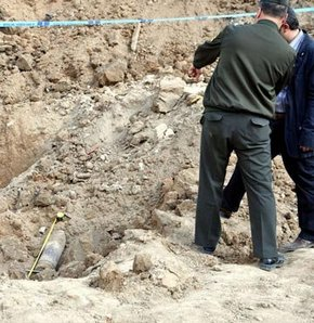 Temel kazısında top mermisi bulundu