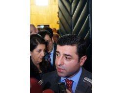 Demirtaş: Milletvekillerinin Açlık Grevi Başlatmasıyla İlgili Belli Bir Şey Yok