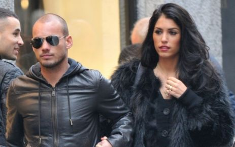 """""""Sneijder 3.5 yıllık imzayı attı"""""""