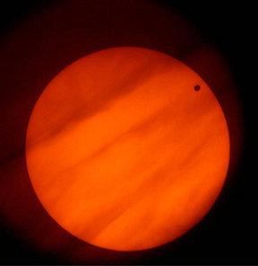 Öyle bir geçer Venüs ki!
