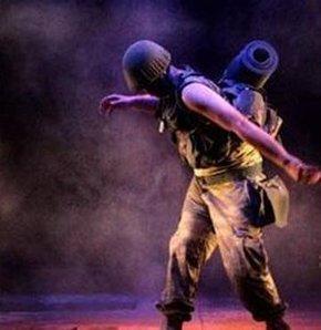 'Yılın Tiyatro Ödülü' 'Karıncalar'ın