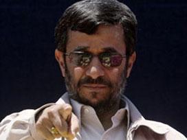 Ahmedinejad'a el mi çektirildi?