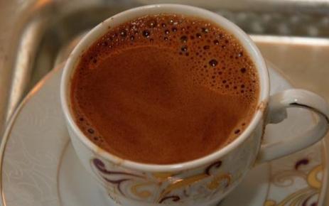 Çok kahve içmek hamilelik şansını azaltıyor